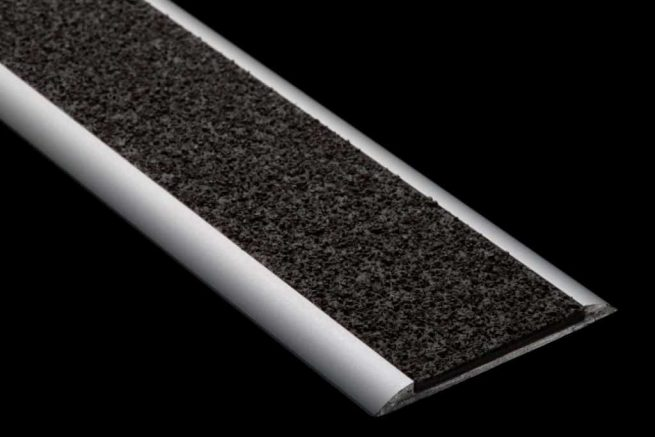 Insert aluminium polymere antiderapant S39S59