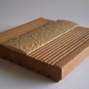Lame antiderapante pour terrasse en bois