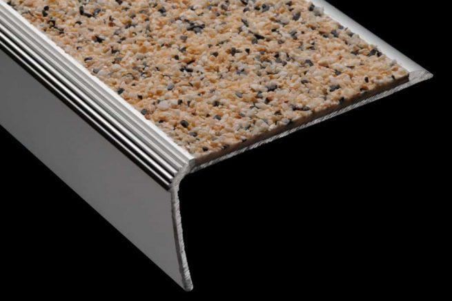 Nez de marche aluminium mineral antiderapant S39S59