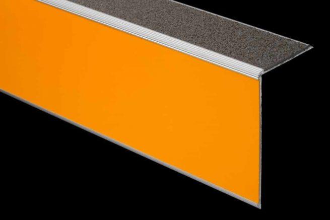 Nez de marche aluminium polymere avec insert signaletique